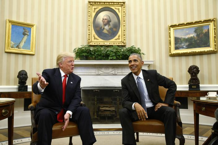 Barack Obama meets with Donald Trump in the Oval Office of the White House. REUTERS/Kevin Lamarque